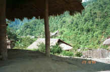 to Jpeg 37K Green Hmong village in Lai Chau province, northern Vietnam 9510g06.jpg